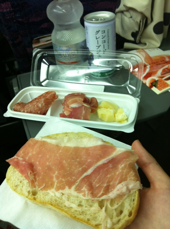 すき焼き弁当の前菜IMG_9468